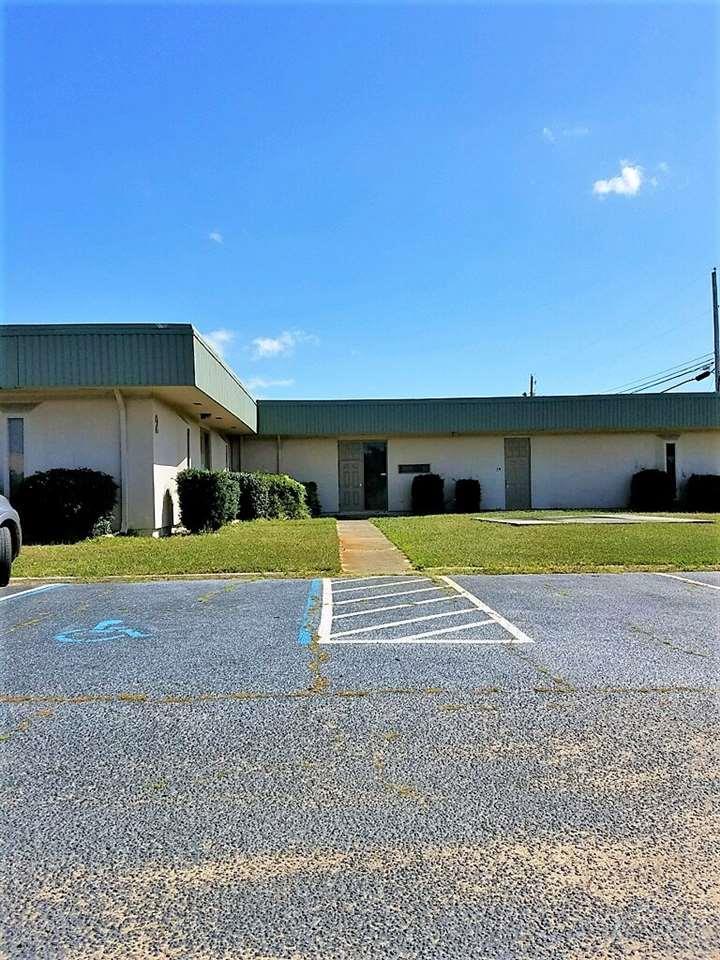 6425 N Pensacola Blvd, Pensacola, FL 32505