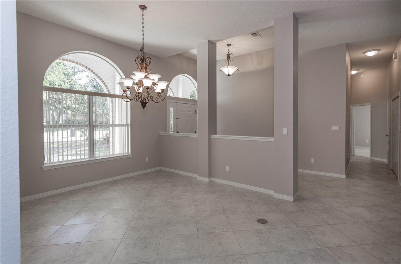 10059 Rookery Rd, Pensacola, FL 32507