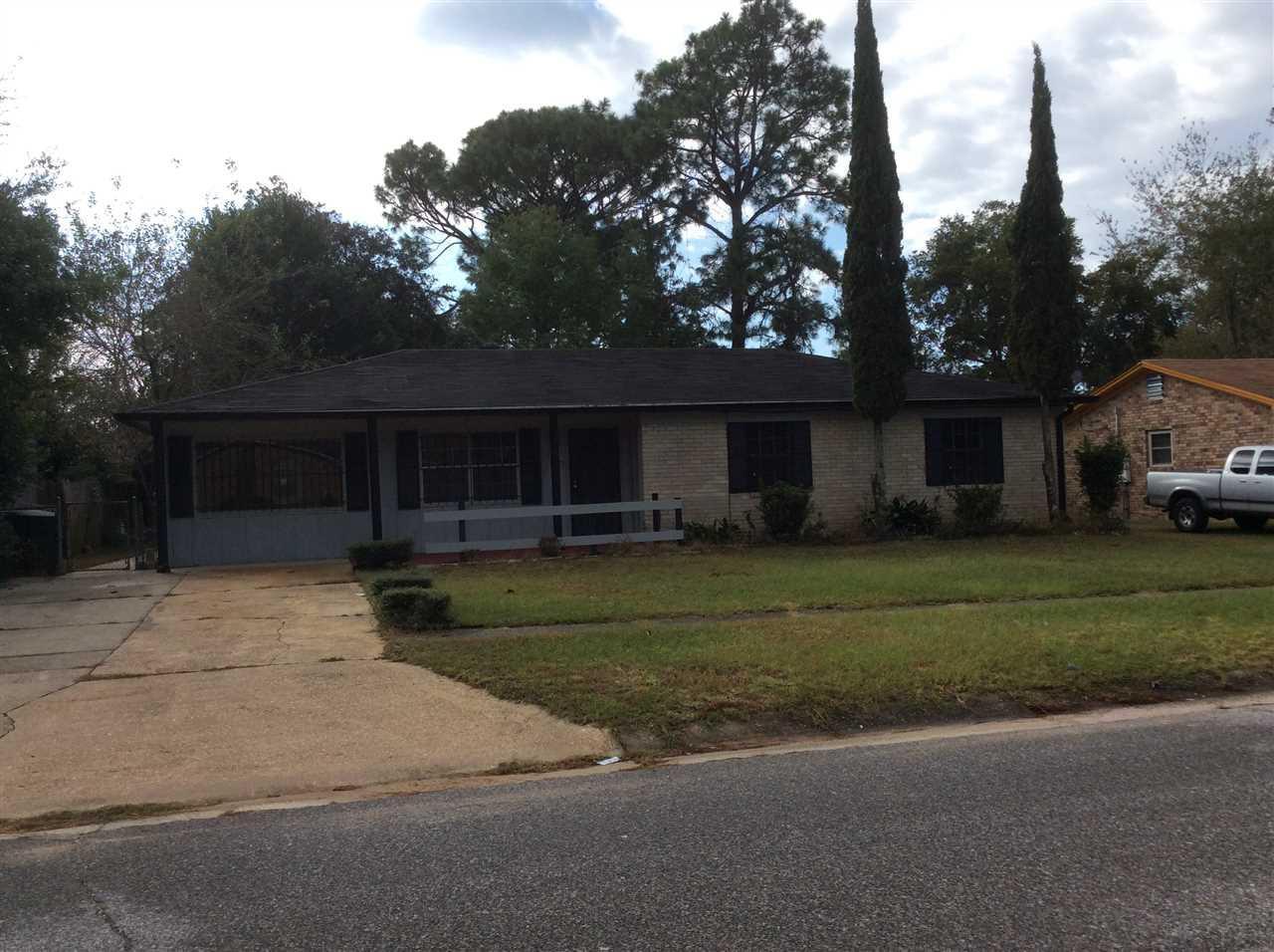 1261 Rio Grande Cir, Pensacola, FL 32505