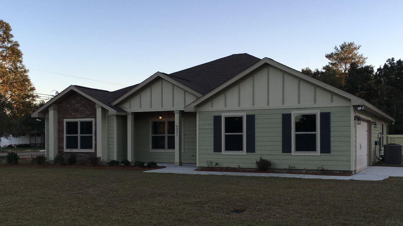 8974 Deer Ln, Navarre, FL 32566