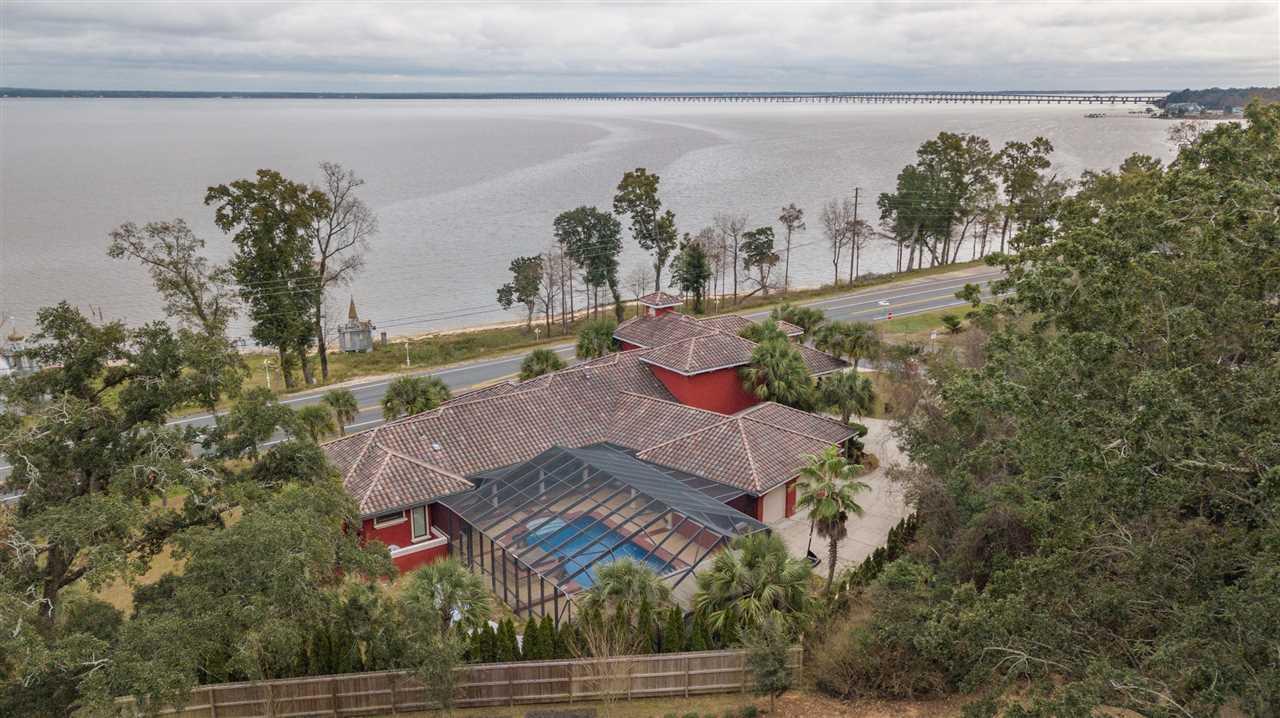 3097 Pelican Ln, Pensacola, FL 32514