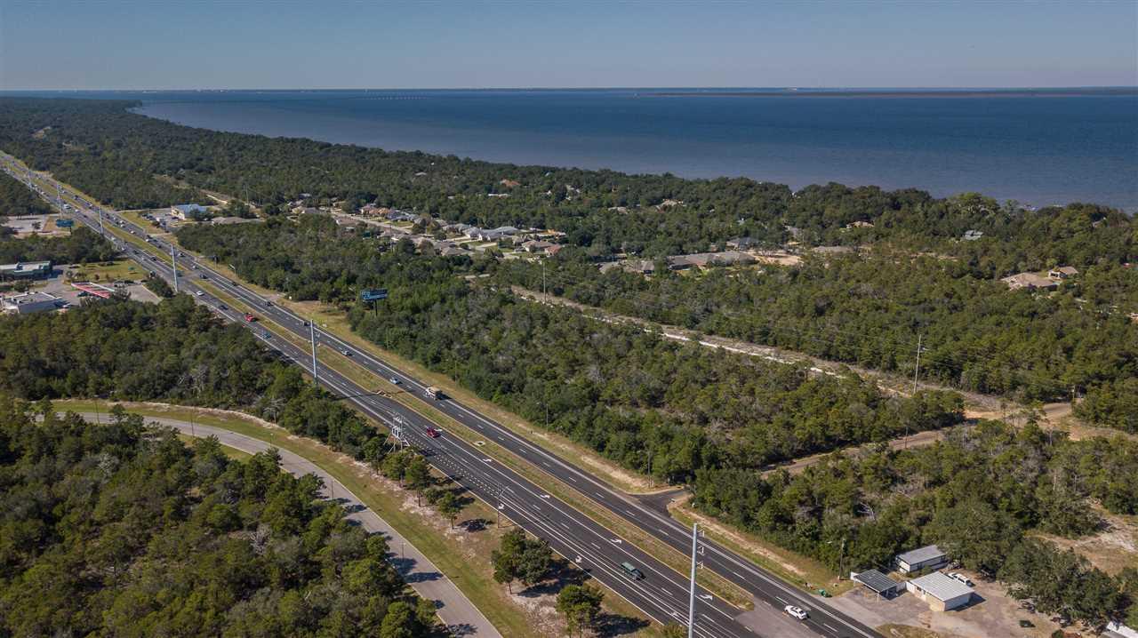 5020 Gulf Breeze Pkwy, Gulf Breeze, FL 32563