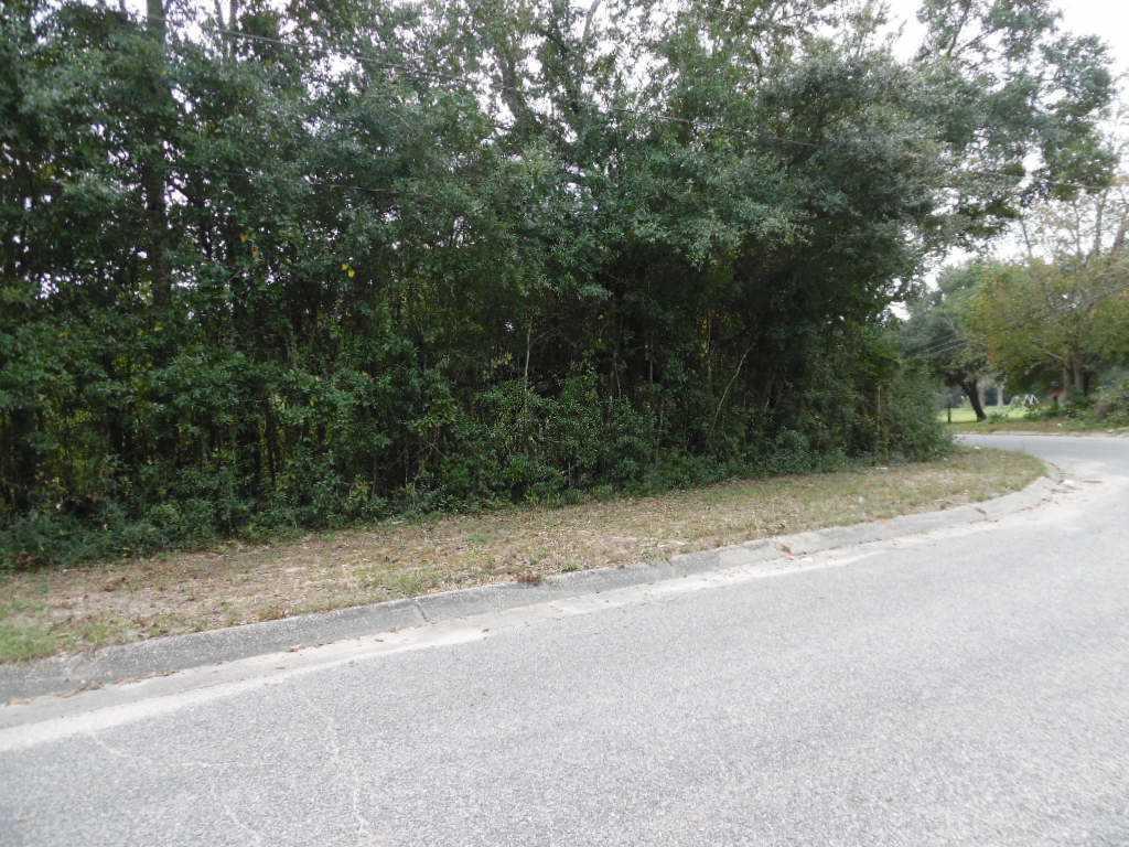 6923 Gulley Ln, Pensacola, FL 32505