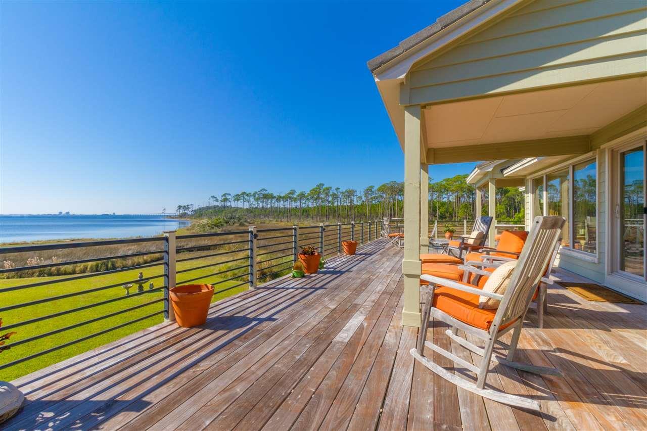 820 Silver Strand St, Gulf Breeze, FL 32563