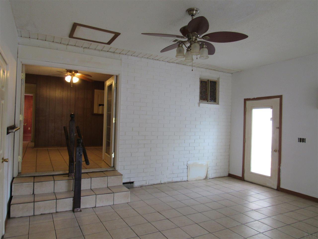 203 Seminole Trl, Pensacola, FL 32506