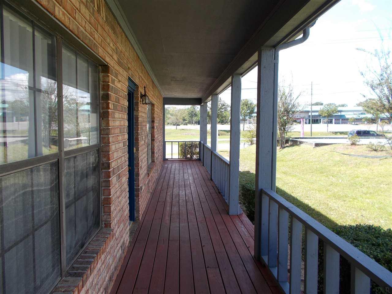7840 Pine Forest Rd, Pensacola, FL 32526