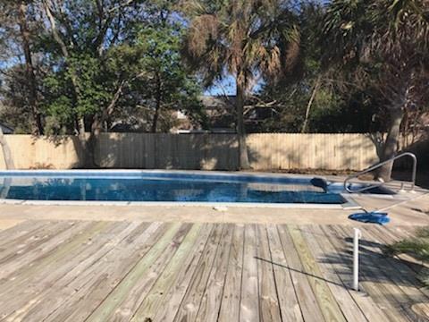 222 Florida Ave, Gulf Breeze, FL 32561