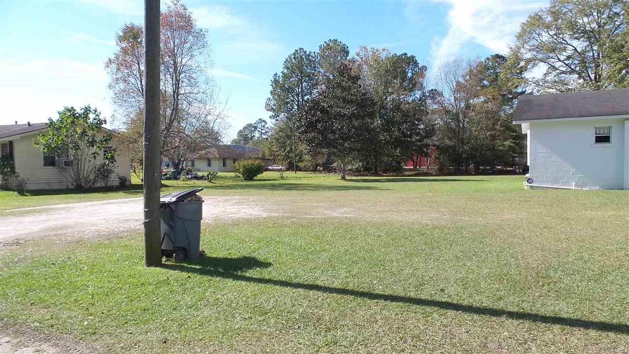 57 Brown St, Atmore, AL 36502