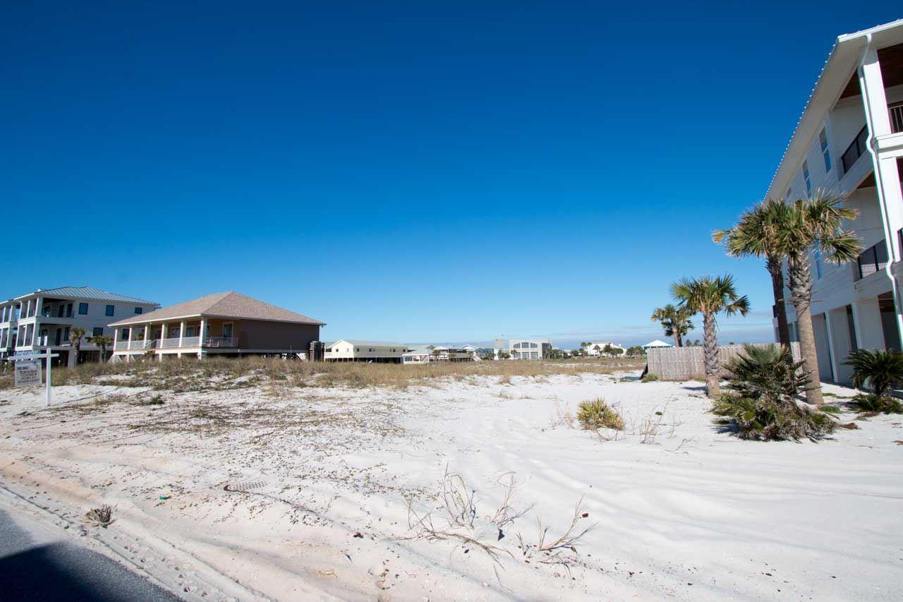 907 Ariola Dr, Pensacola Beach, FL 32560