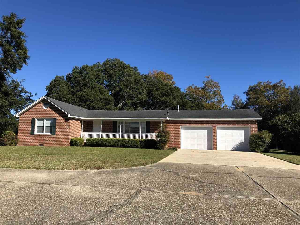9750 Hillview Dr, Pensacola, FL 32514