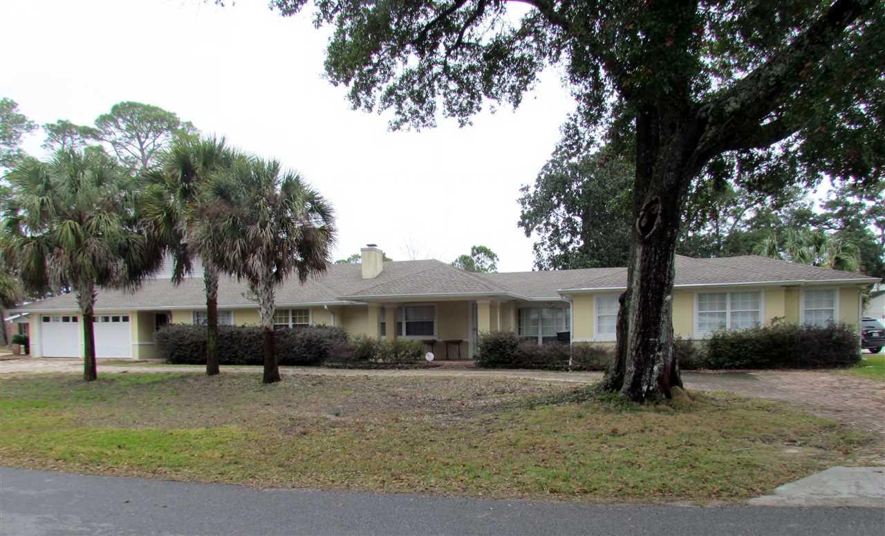 57 Star Lake Dr, Pensacola, FL 32507