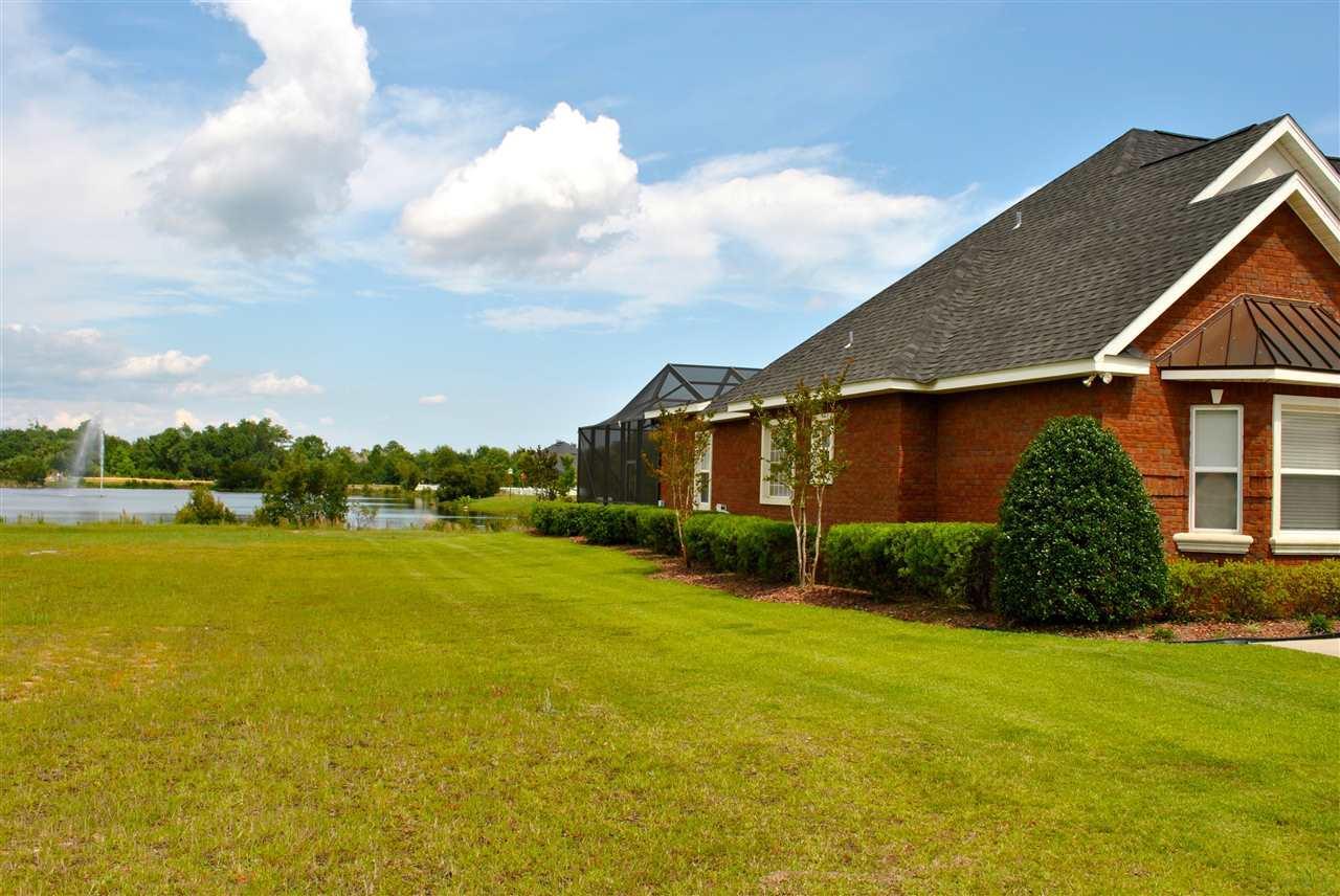 5713 Highland Lake Dr, Milton, FL 32583