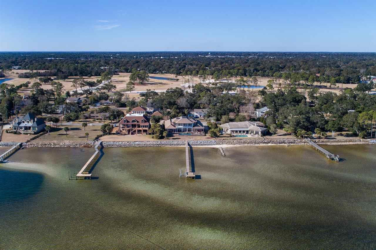 1061 Harbourview Cir, Pensacola, FL 32507