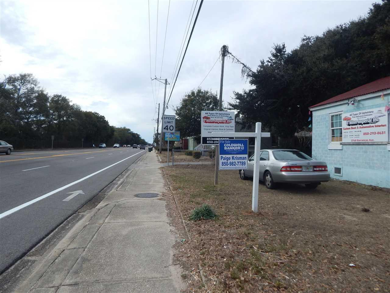 3760 Barrancas Ave, Pensacola, FL 32507