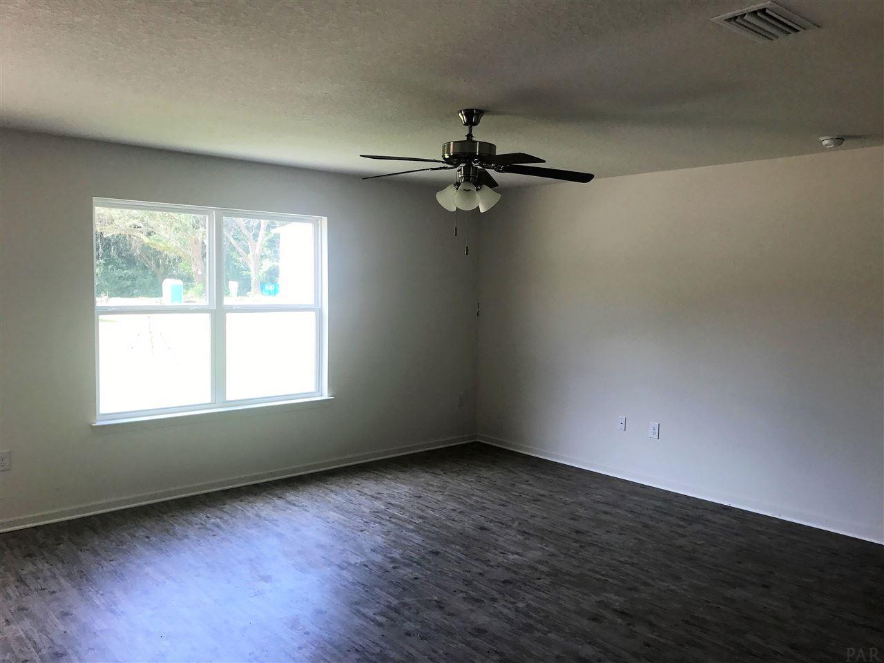 6413 Jerry Lynn Ln, Pensacola, FL 32526