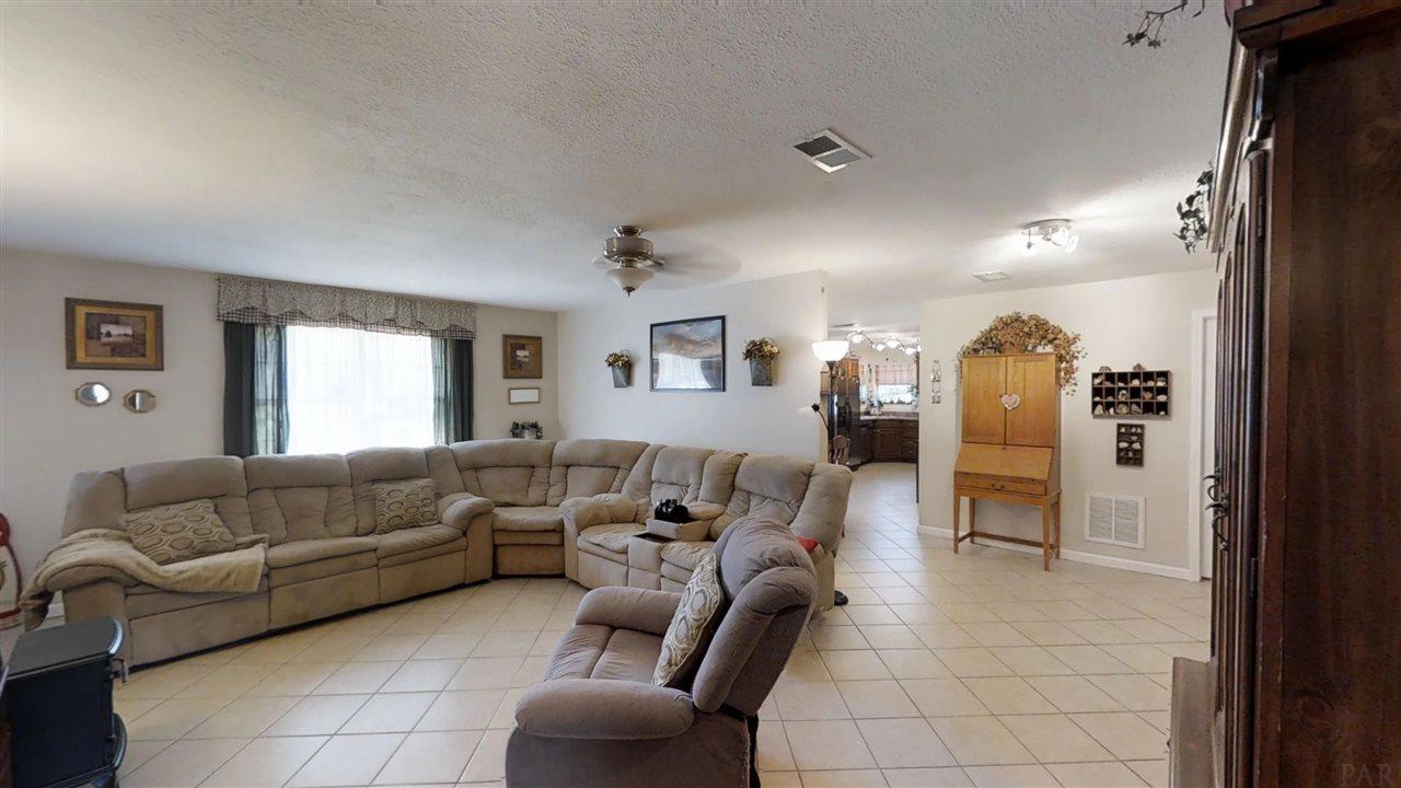 4481 Blacktop Rd, Milton, FL 32570