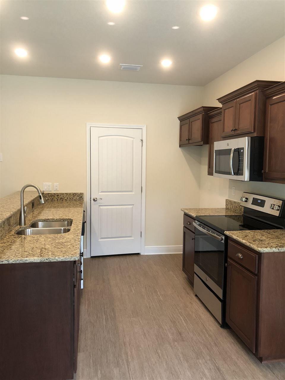 212 S J St, Pensacola, FL 32502