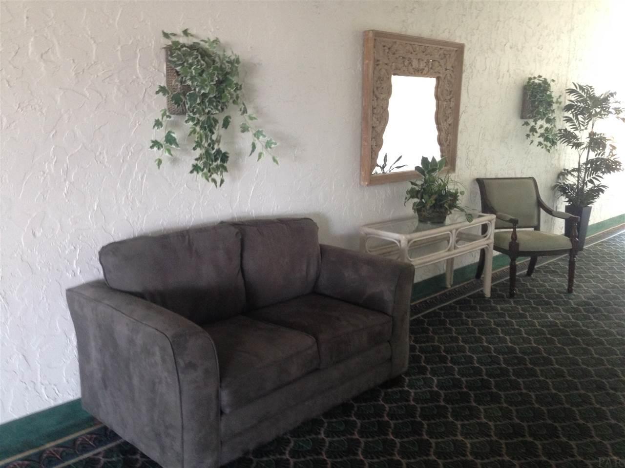 224 E Garden St #413, Pensacola, FL 32501