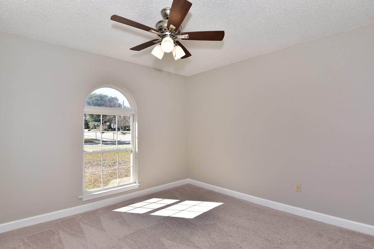 8330 Harbour Sq Dr, Pensacola, FL 32514