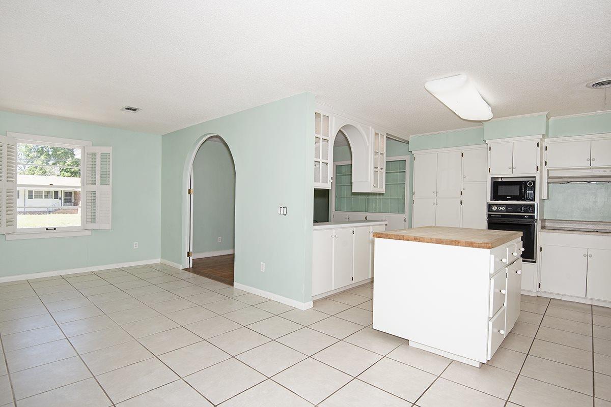 3740 Bonner Rd, Pensacola, FL 32503