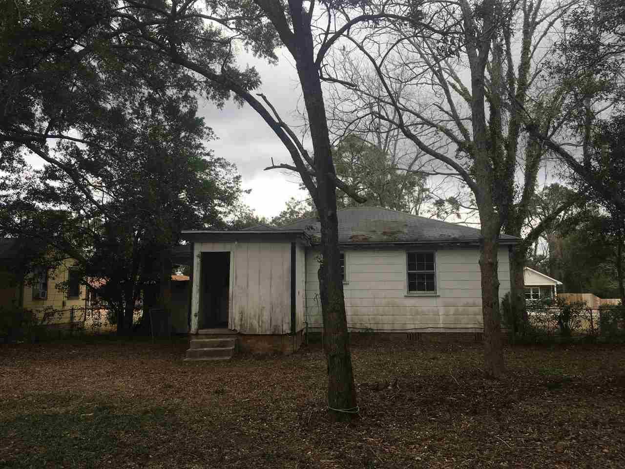1525 E Leonard St, Pensacola, FL 32503