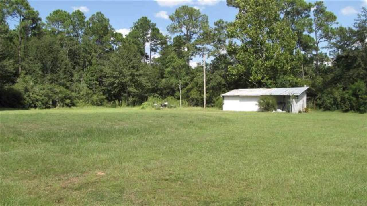 7524 Peterson Pt Rd, Milton, FL 32583