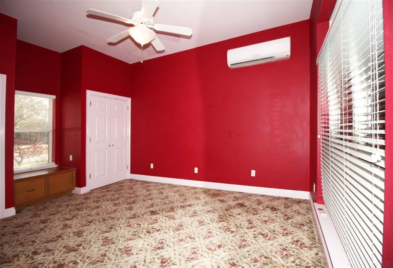 5832 Moors Oaks Dr, Milton, FL 32583