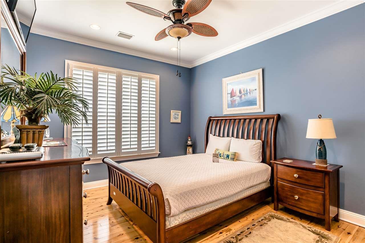 1724 Calle Bonita, Pensacola Beach, FL 32561