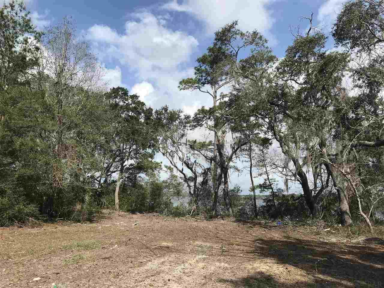 7331 Mossy Oaks Dr, Navarre, FL 32566