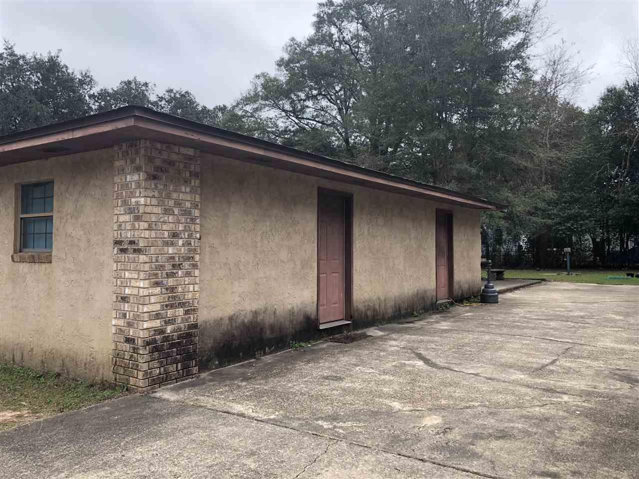 6419 Maddox Rd, Milton, FL 32570