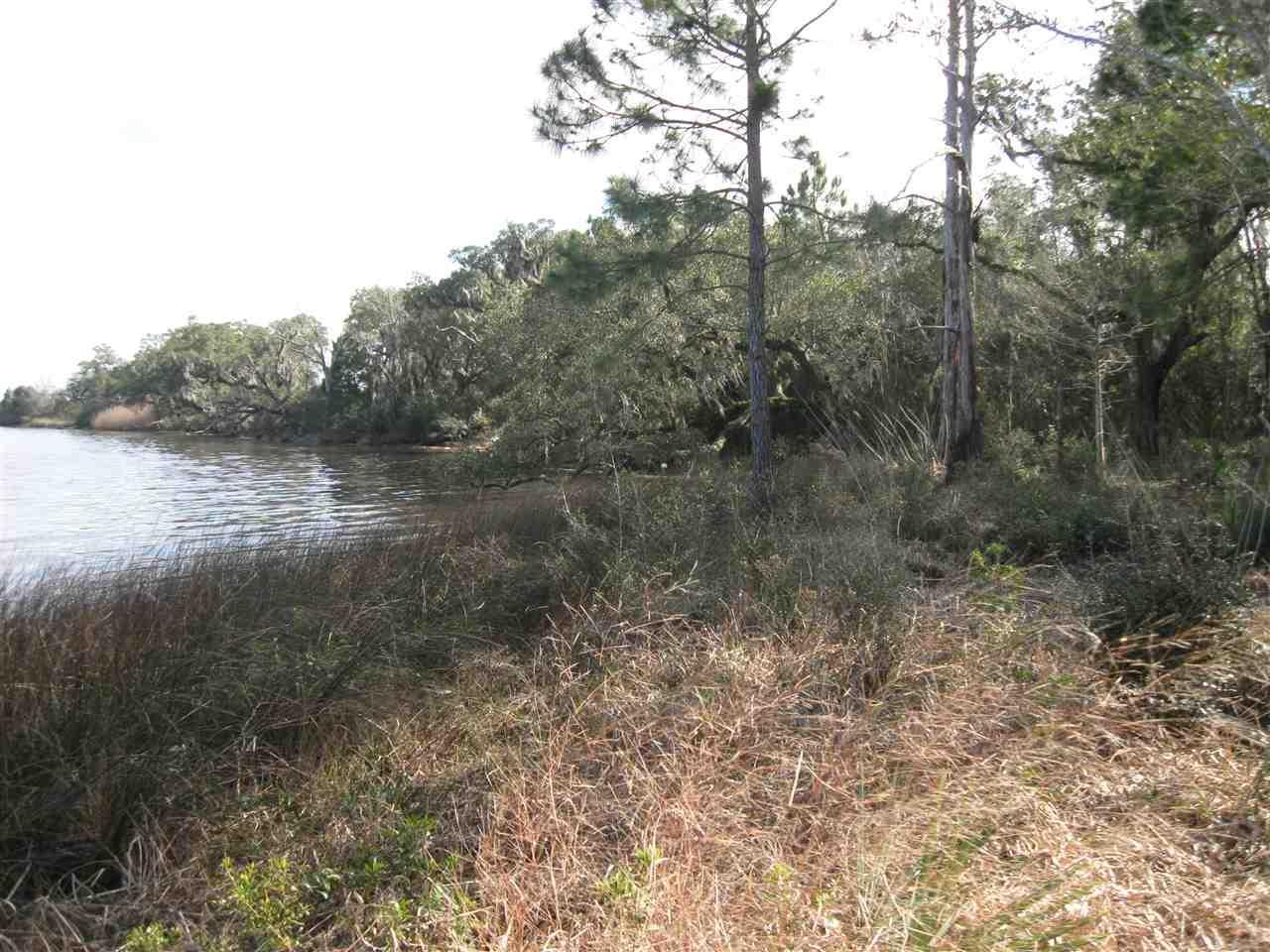 7658 Old Bay Pointe Rd, Milton, FL 32583