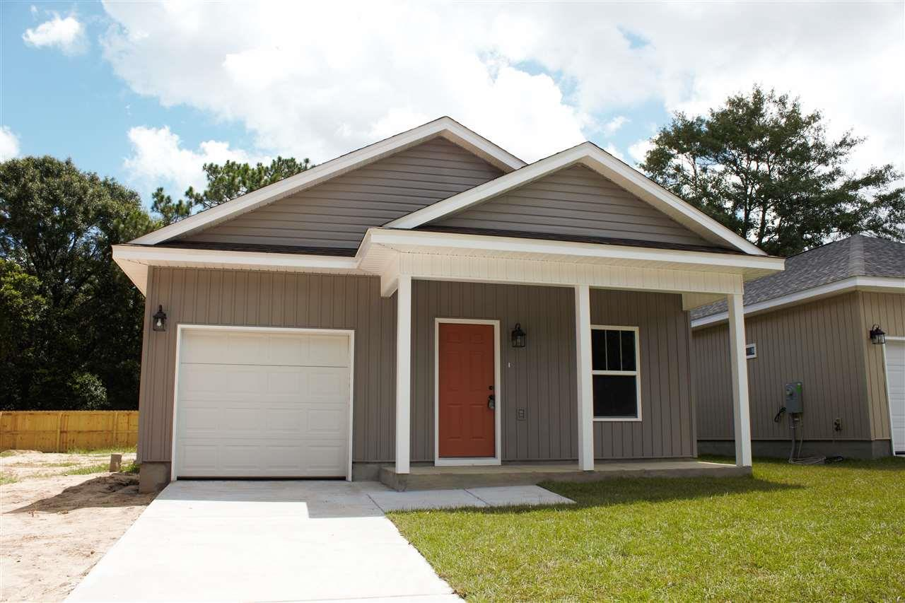 8804 Smiley Ct, Pensacola, FL 32514