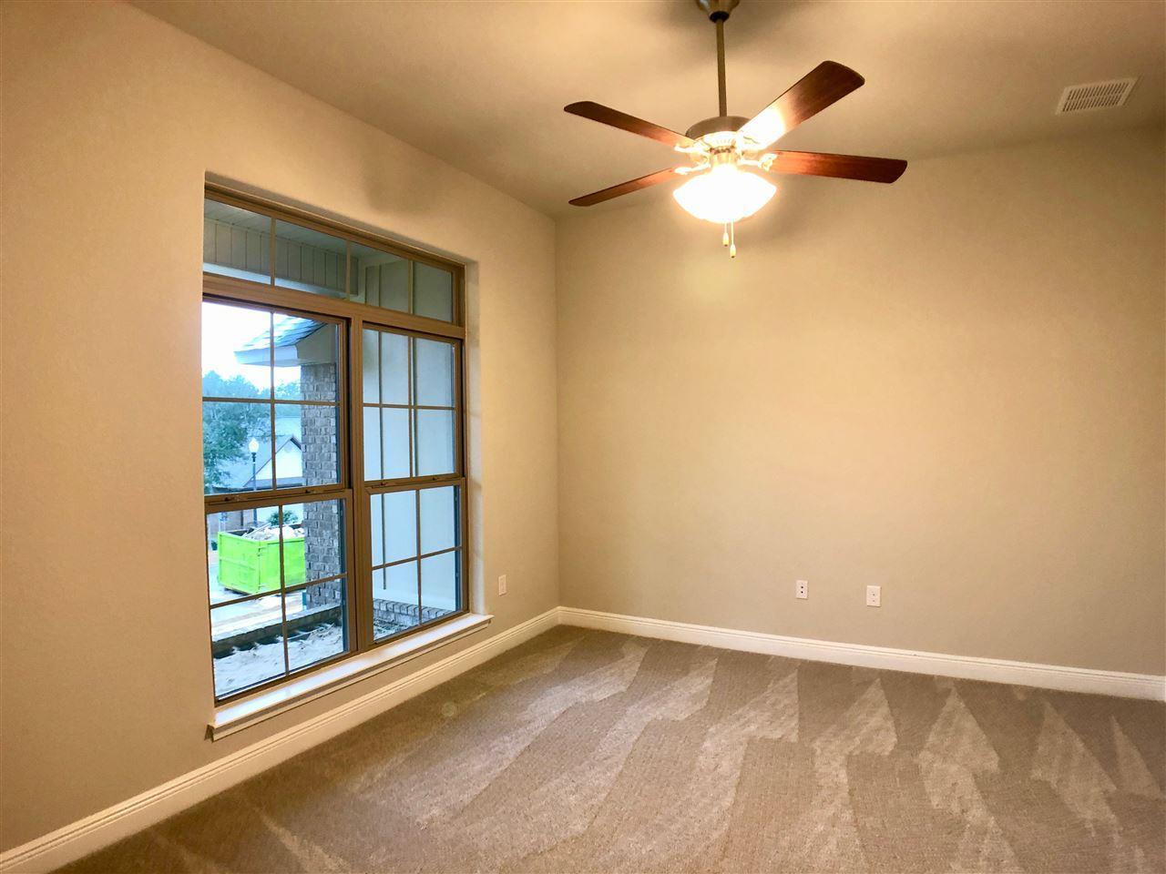 825 Wild Egret Ln, Crestview, FL 32536