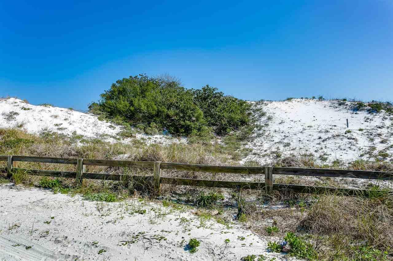 6 Sugar Bowl Ln, Pensacola Beach, FL 32561