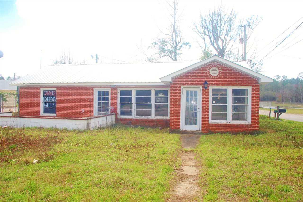 1 W Cottage St, Century, FL 32535
