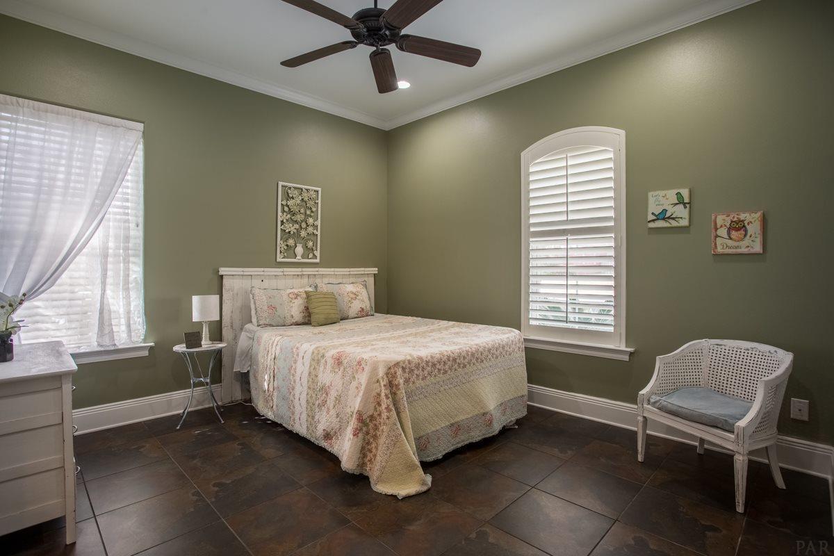 337 Grande Oaks Blvd, Cantonment, FL 32533