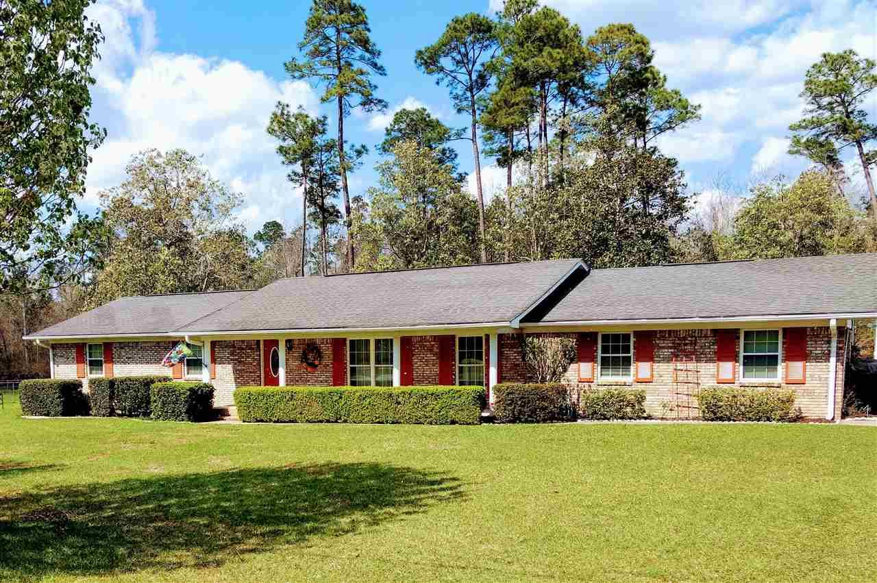 1244 Whippoorwill Dr, Cantonment, FL 32533