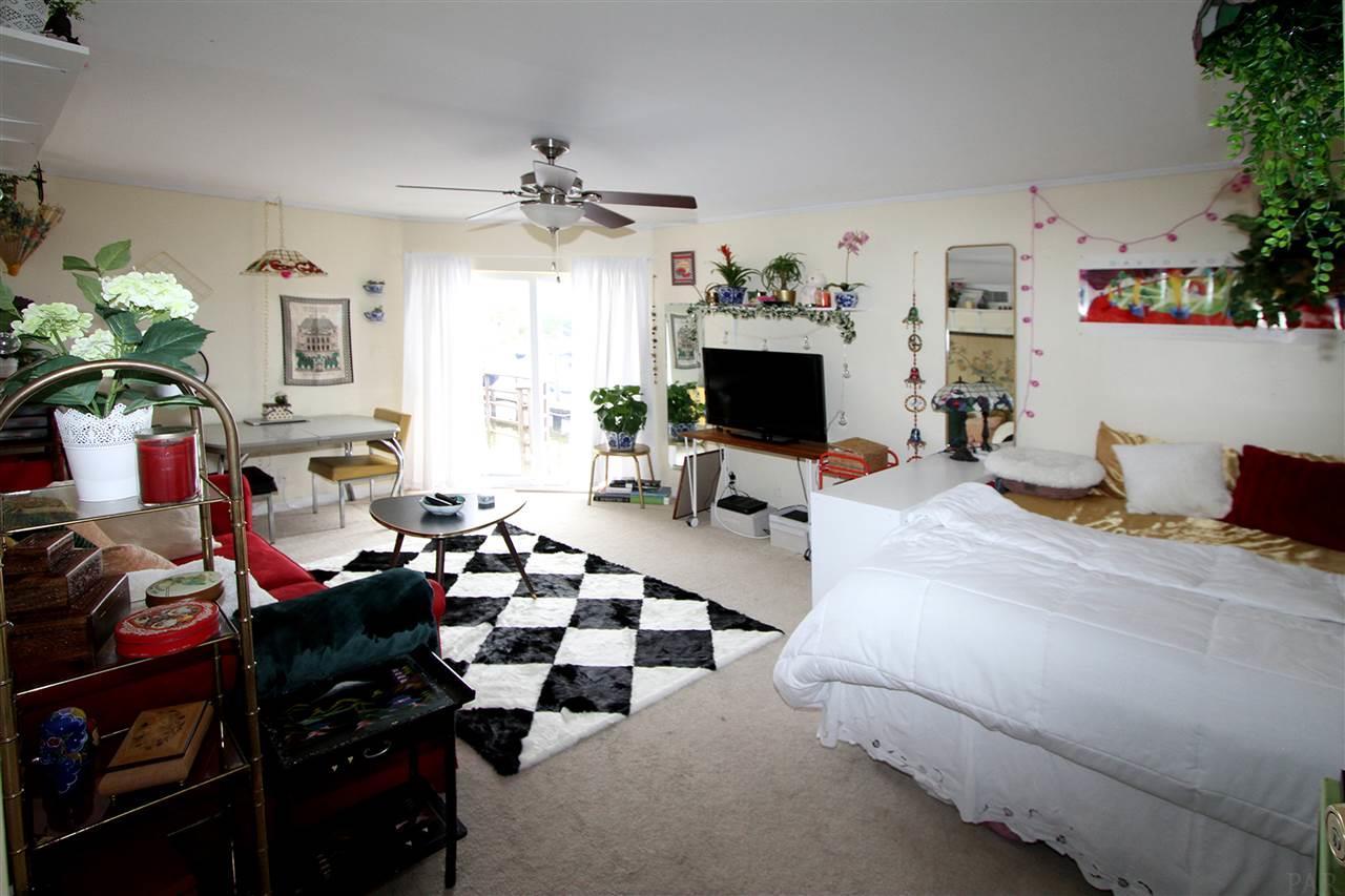 1280 Mahogany Mill Rd #4, Pensacola, FL 32507