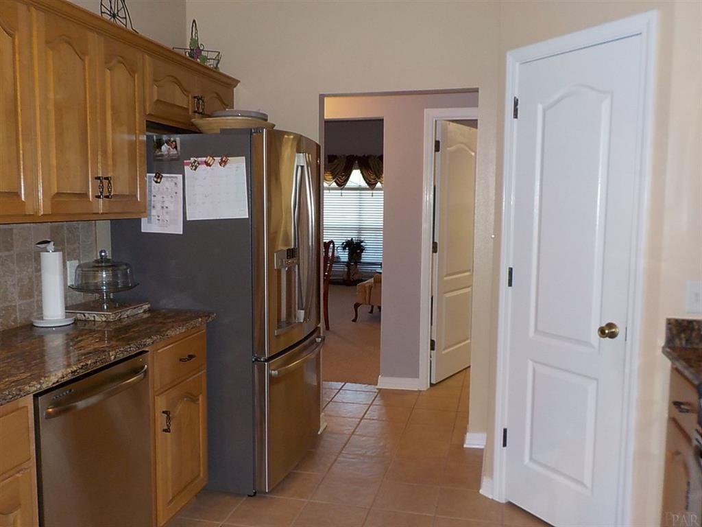 3566 Sawmill Cir, Pace, FL 32571