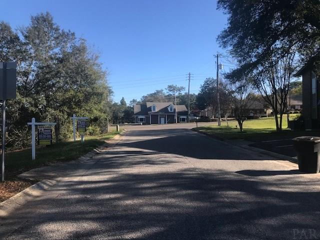 5803 Creek Station Dr, Pensacola, FL 32504