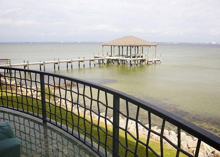 732 Peakes Point Dr, Gulf Breeze, FL 32561