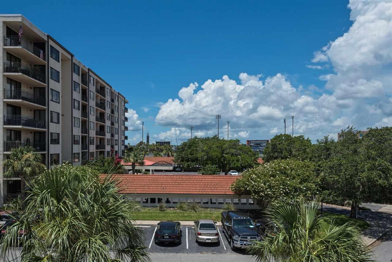 10 Port Royal Way, Pensacola, FL 32502