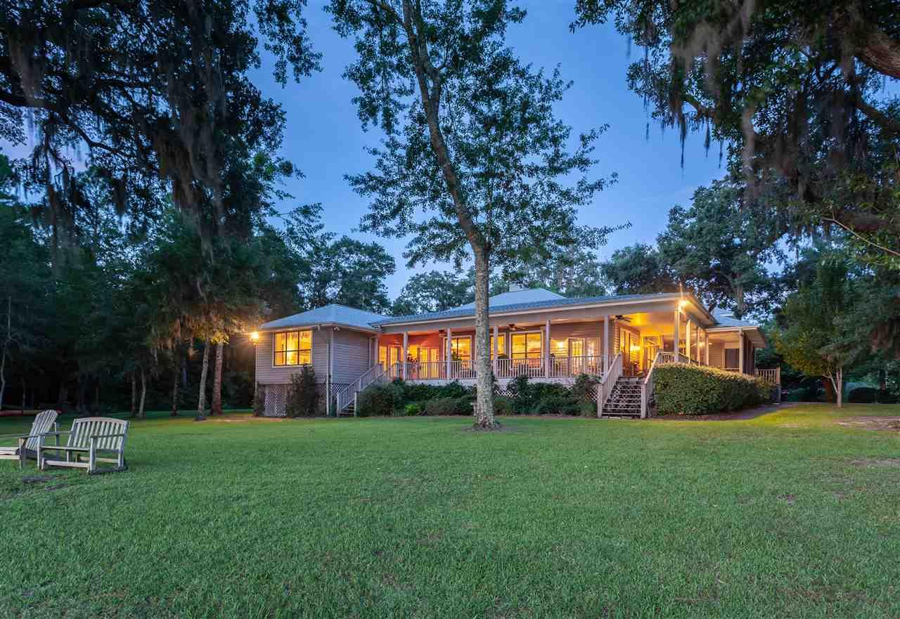 7598 Old Bay Pointe Rd, Milton, FL 32583