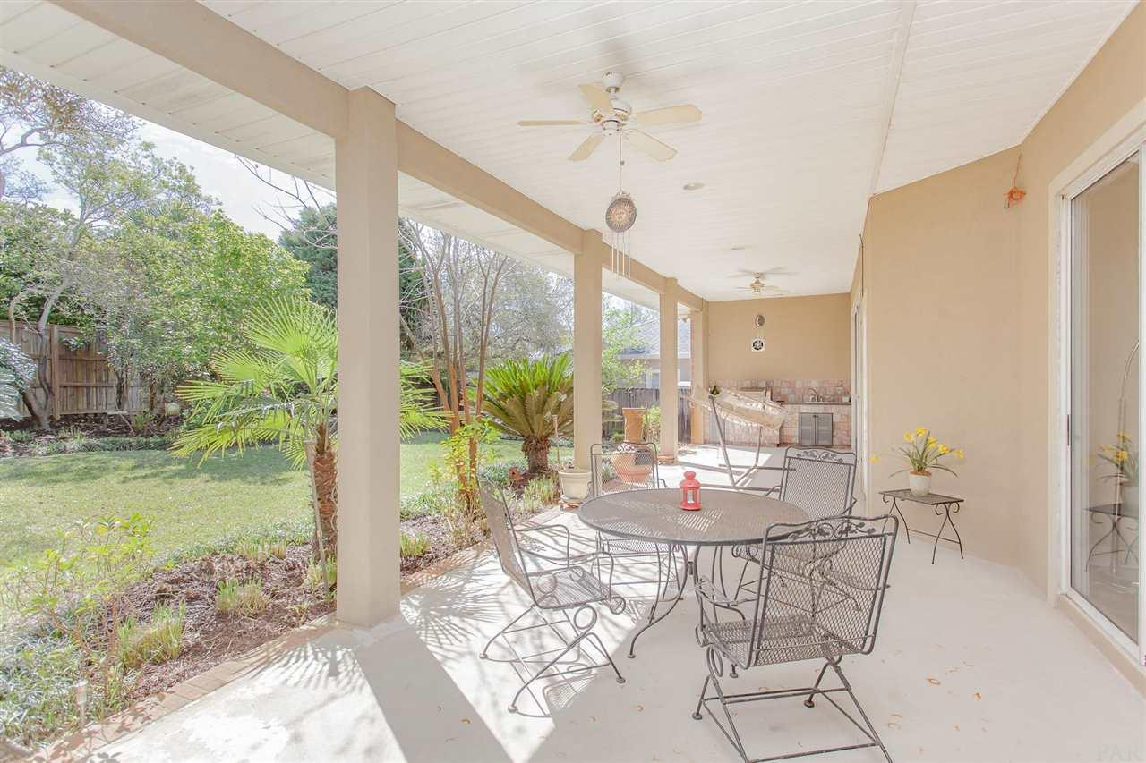 293 Plantation Hill Rd, Gulf Breeze, FL 32561