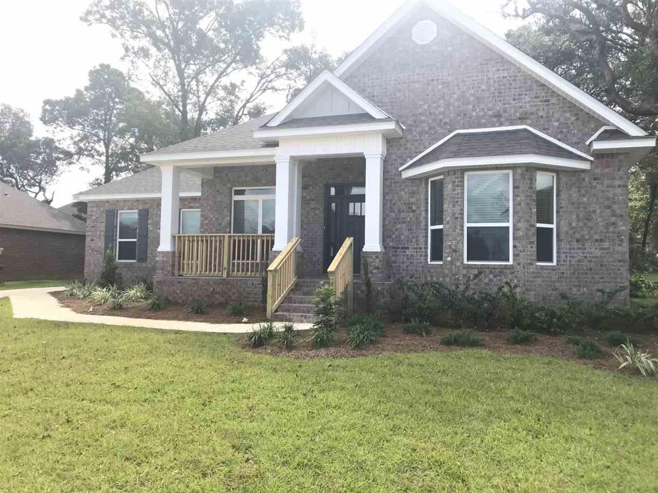 5896 Huntington Creek Blvd, Pensacola, FL 32526