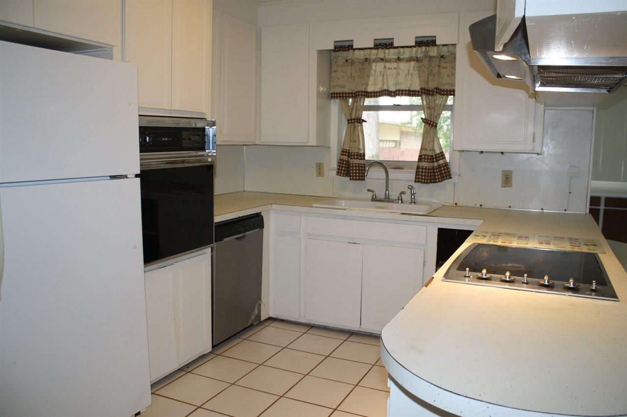 5824 Ringgold Dr, Pensacola, FL 32503