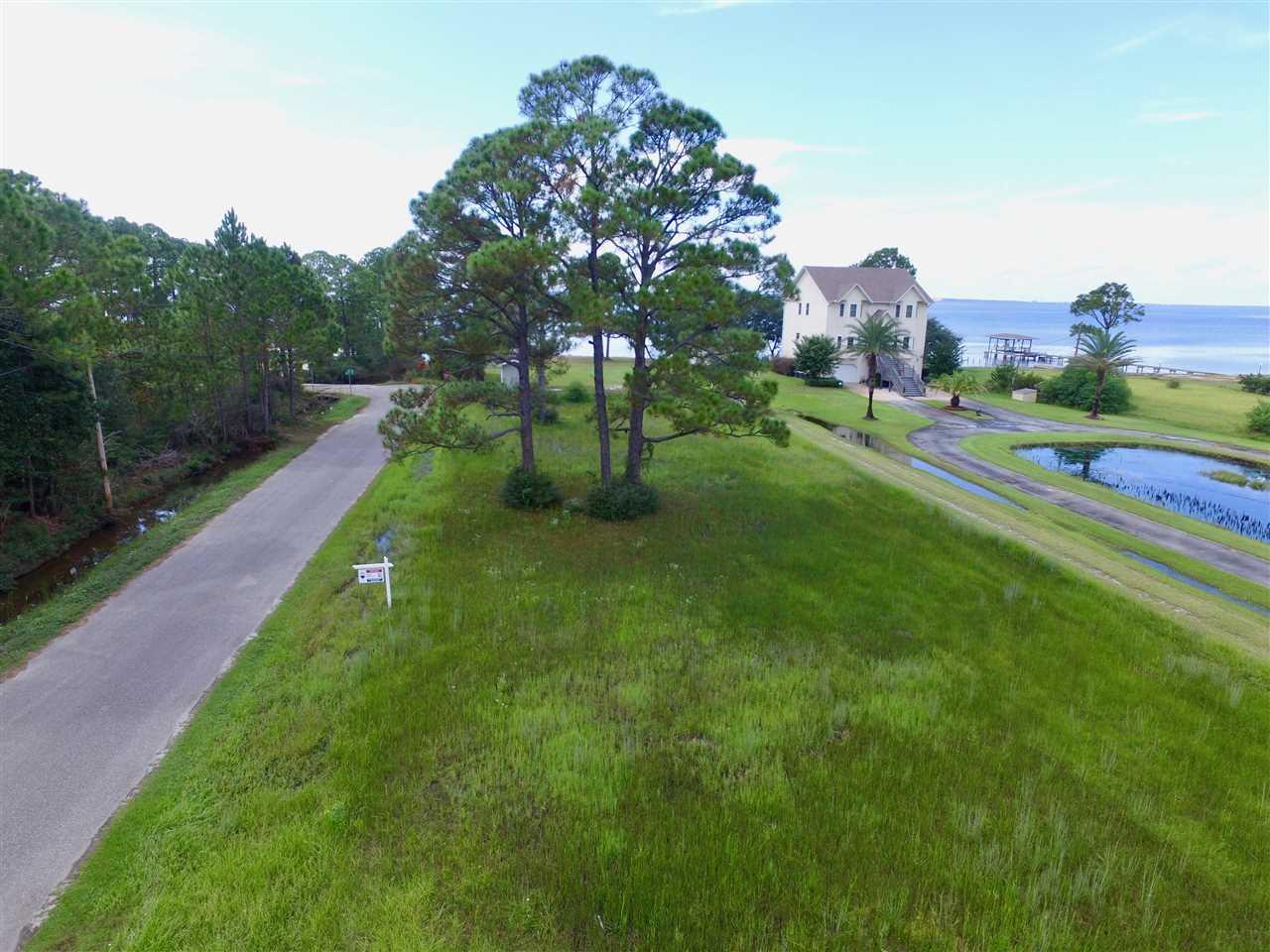 1001 Pearson Rd, Milton, FL 32583