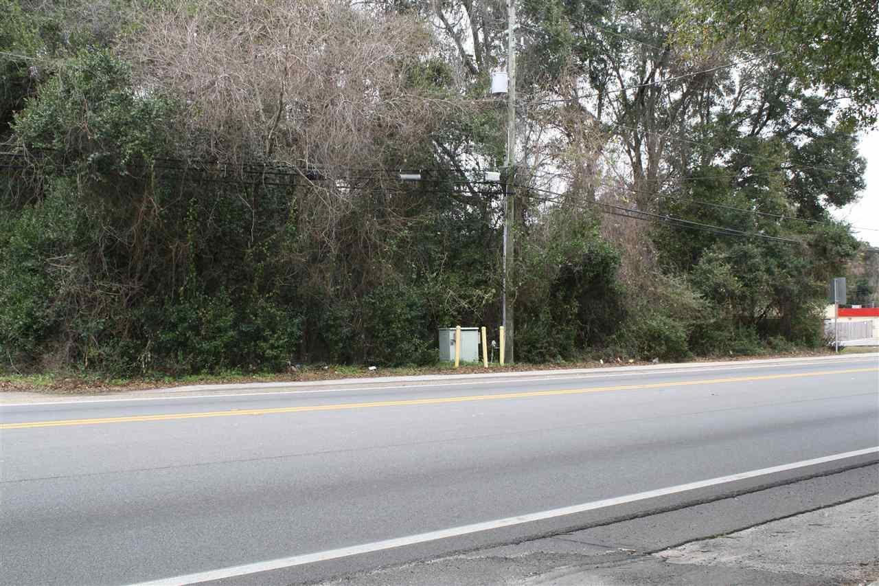 6114 W Fairfield Dr, Pensacola, FL 32506