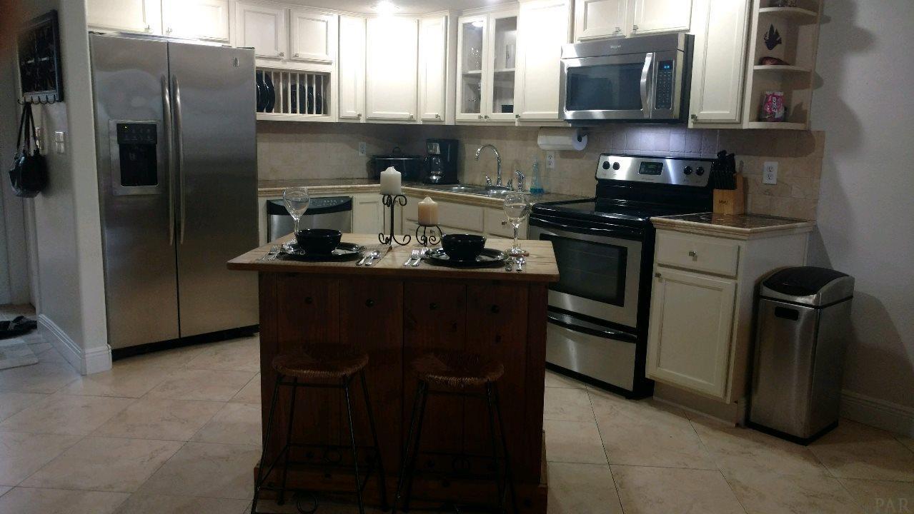 1706 Via Deluna Dr, Pensacola Beach, FL 32561