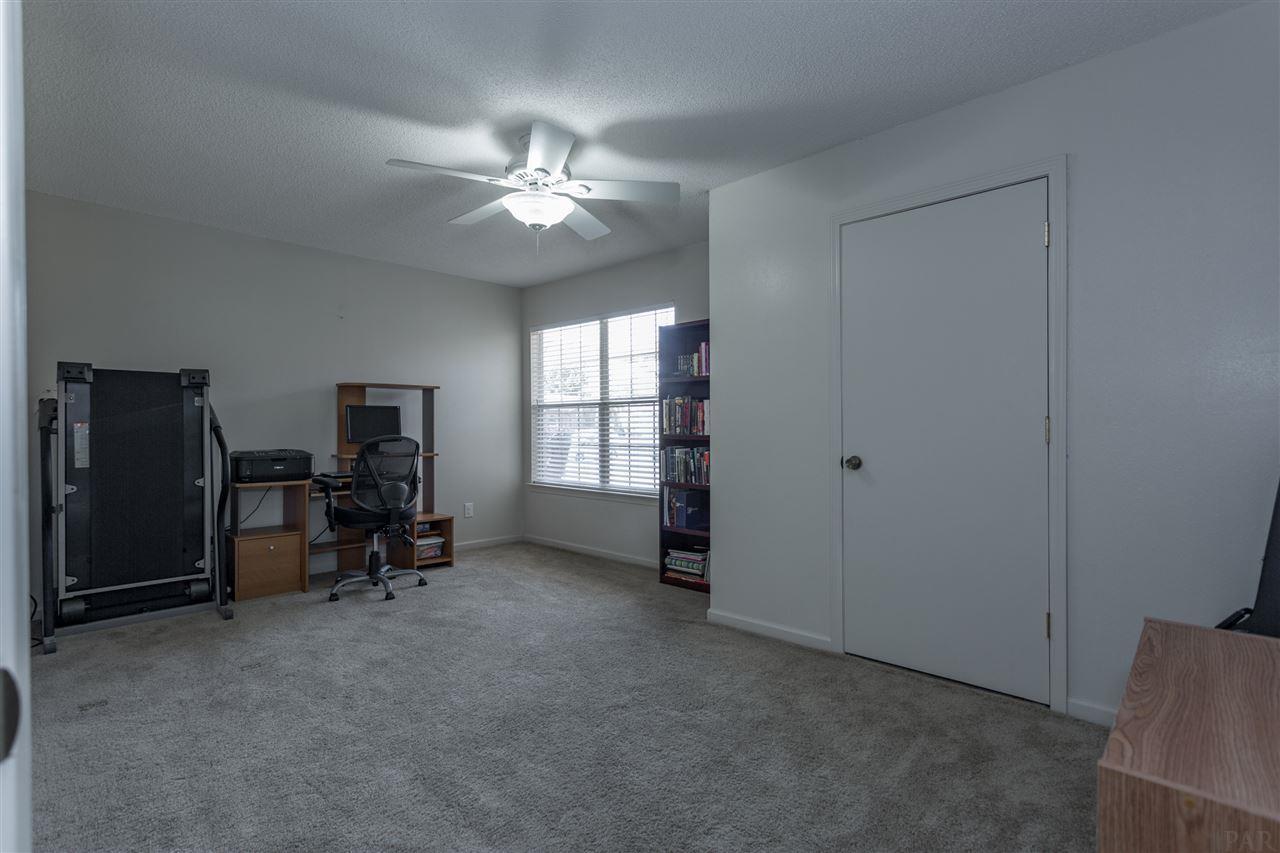 3520 Arizona Dr, Pensacola, FL 32504